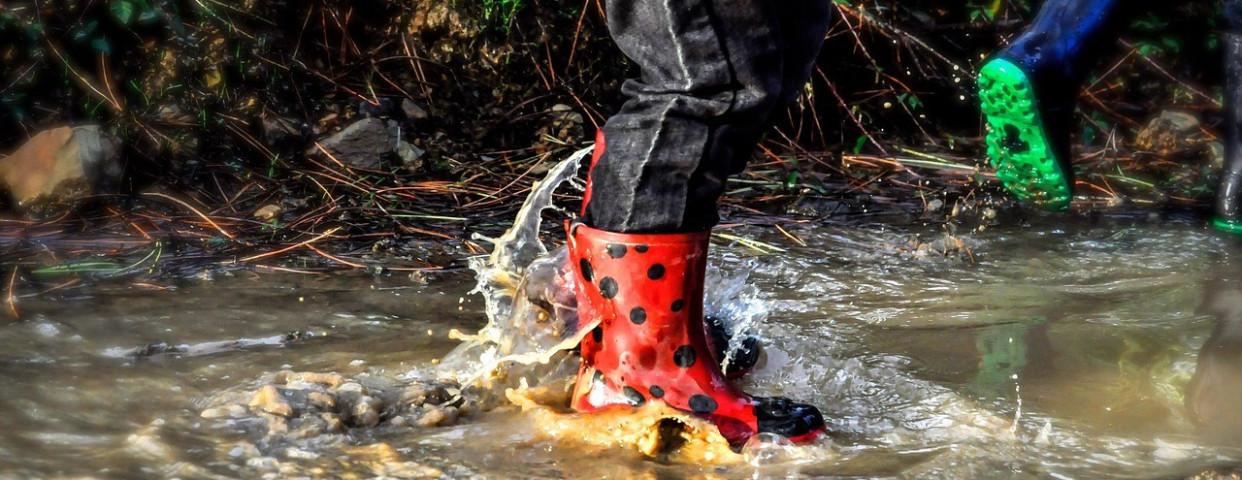 regen-water-grondwaterpeil-laarzen-plas-1280