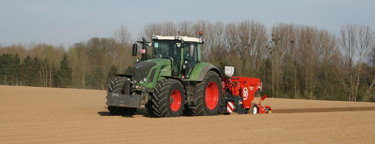 ugent-klimaatneutraal-tractor-akker